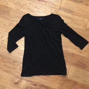 Black gap top, 3/4 sleeve